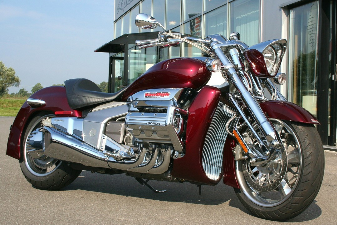 Hyper cruiser motorcycle