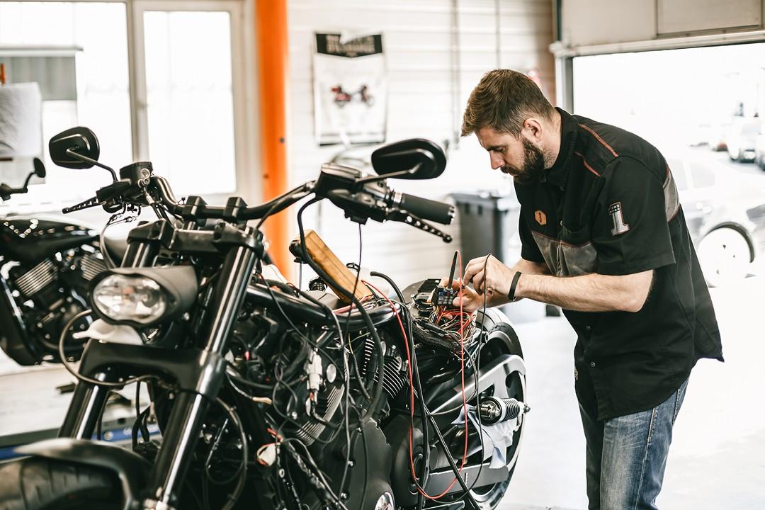 Motorcycle maintenance mechanic