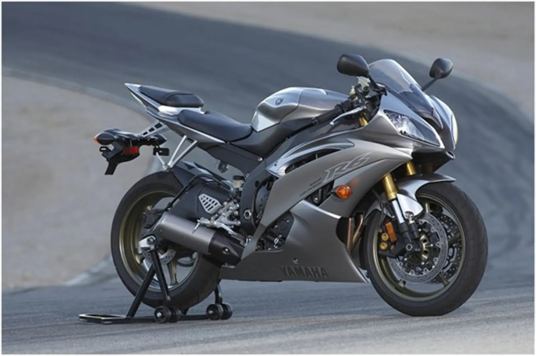 Yamaha YZF R6 2008 - 10 Best 600cc Supersport Motorcycles